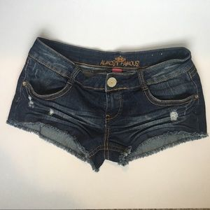ALMOST FAMOUS | Distressed jean shorts